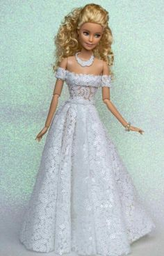 Sewing Barbie Clothes, Barbie Dolls Diy, Barbie Clothes Patterns, Barbie Model, Vintage Barbie Dolls, Barbie Bridal, Barbie Wedding Dress, Barbie Gowns, Barbie Dress