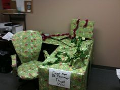 The Best Office Desk Pranks Youve Ever Seen Office Desks - 19 best office desk pranks youve ever seen