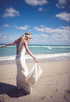 How gorgeous is this bohemian beach look?! // Paper Antler