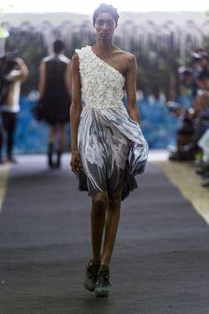 Fashion show couture ON AURA TOUT VU autumn/winter 2014/2015. Look 13 #hautecouture #fashionweek #couturefashionshow #luxe #winter2014 #h2o #woman #fashion #broderies #asymetrique #white #yassensamouilov #liviastoianova #models #cristal #style #moderncouture #clothes #uniquefashion #onauratoutvu #water #black #pretty #embroidery #2014 #2015 #garden #palaisroyal #france #lasemainedelamode #lovely #mousseline #eveningdress #chic #look13 @Yassen Samouilov @Livia Stoianova