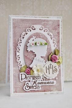 First Communion Cards, Première Communion, First Communion Invitations, First Holy Communion, Diy And Crafts, Paper Crafts, Christian Cards, Spellbinders Cards, Picture Cards