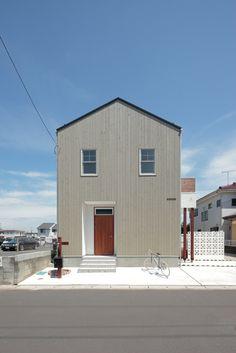 BOSCO|HUGHOME Minimalist Architecture, Contemporary Architecture, Interior Architecture, Building Design, Building A House, Minimal Home, Japanese House, Facade House, House Floor Plans