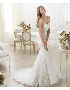 Pronovias te presenta el vestido de novia Levan. Fashion 2014. | Pronovias