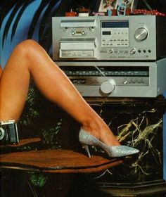 Humanity is Trash: Photo Radios, Diy Hifi, Jeane Manson, Retro Advertising, Old Computers, Record Players, Hifi Audio, Vintage Vinyl Records, Boombox