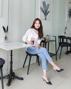 #Dahong(MT) style2017 #HeeRan Korea Fashion, Asian Fashion, Daily Fashion, Girl Fashion, Fashion Outfits, Womens Fashion, Fashion Ideas, Korean Dress Formal, Fashion Forever