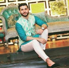 Updated New Traditional Mehndi Suits for Men For Yr 19 Ideas Mens Indian Wear, Mens Ethnic Wear, Indian Groom Wear, Indian Men Fashion, Mens Wedding Wear Indian, India Fashion Men, Mens Fashion, Sherwani For Men Wedding, Wedding Dresses Men Indian