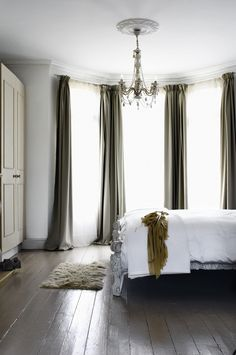 Modern Country Edwardian House - calming greys/greens with deco chandelier Bay Window Curtains, Bedroom Windows, Long Curtains, Bay Windows, Grey Curtains, Bedroom Curtains, Corner Curtains, Elegant Curtains, Huge Windows