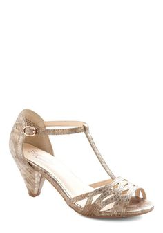 Women S Unlisted By Kenneth Cole Kind Care Champagne Metallic Pu Low Heel Sandals