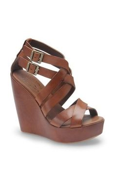 Tendance Chaussures   Brown leather wedges. #fall #fashioin #lucyclothing