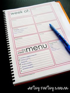 Free Printable Weekly Menu Planner is part of Weekly Organization Printables - Find creative craft tutorials, simple recipes, printables and more at ArtsyFartsy Mama Flylady, Freetime Activities, Weekly Menu Planners, Meal Planner, Life Planner, Weekly Calendar, Planner Book, Daily Planners, Planner Ideas