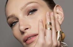 Μάσκα προσώπου που αφαιρεί μαγικά πανάδες, σημάδια ακμής, ρυτίδες από την δεύτερη χρήση της! | Μυστικά ομορφιάς | mystikaomorfias.gr Face Wrinkles, Gold Rings, Jewelry, Jewlery, Jewerly, Schmuck, Jewels, Jewelery, Fine Jewelry