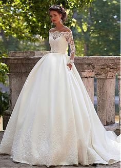 Stunning Tulle Jewel Neckline Ball Gown Wedding Dresses With Lace Appliques