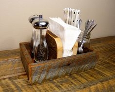 Rustic Napkin Holder And Condiment Caddy By Homesteadtraditions In – Best Rustic Home Decor Ideas Rustic Napkin Holders, Rustic Napkins, Condiment Holder, Cutlery Holder, Rustic Kitchen, Kitchen Decor, Table Caddy, Pub Interior, Kitchen Caddy
