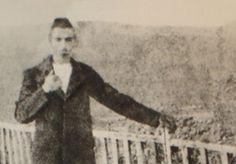 Όσα έκαναν τον #Αρθούρο_Ρεμπώ να μη γοητεύεται από τη μαγεία του Καϊρου. ------------------------------------------------ #Cairo #ArthurRimbaud #Egypt http://fractalart.gr/cairo-arthur-rimbaud/