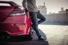 The Civic Si offers plenty of stylish features that allow you to make it your own.