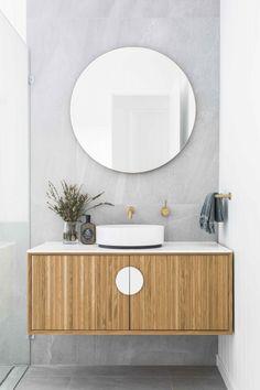 Useful Walk-in Shower Design Ideas For Smaller Bathrooms – Home Dcorz Master Bathroom Vanity, Modern Bathroom, Round Bathroom Mirror, Bathroom Small, Contemporary Bathrooms, Unit Bathroom, Small Bathroom Furniture, Coastal Bathrooms, Tiny Bathrooms