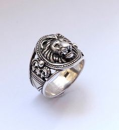 Lion head sterling silver ring