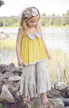 country picnic~ Sunday Yellow Bow Top2T to 8 YearsNow in Stock