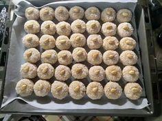 Τα γλυκά του γάμου - Cookpad Krispie Treats, Rice Krispies, Cereal, Candy, Breakfast, Desserts, Recipes, Food, Morning Coffee