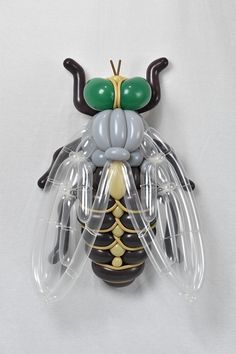Artist Masayoshi Matsumoto turns balloons into the most detailed sculptures of plants and animals!