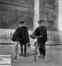 LAPI / Roger-Viollet - Gendarmes on bicycles (Hirondelles) - 1947 Paris. Established in 1900 by Police Chief Louis Lépine to better cover neighbourhoods at night, the squad picked up their nickname from the first brand of bike they were issued. Each arrondissement had 3 brigades of 4 officers (who paid for their own bikes up front and were paid back in instalments). They only worked during the evenings and night and only in pairs. With the advent of patrol cars, the units came to an end in…