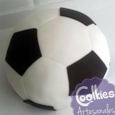 Tarta fondant balón de fútbol. Coolkies