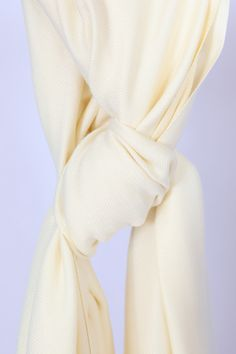 Cream pashmina in 90% cashmere for only £35- wardrobe o'clock