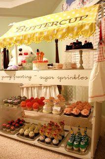 Farmer's Market Display: Cute Bakery Display Ideas. Love the canopy!