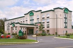 Wingate by Wyndham Voorhees Mt. Laurel - Hotels.com - Hotel rooms with reviews. Discounts and Deals on 85,000…