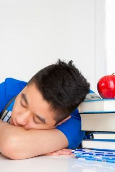 Sleep deprivation in college students impacts their emotional, mental and physical health. Teen Sleeping, Sleeping Too Much, Sleep Deprivation Effects, Insomnia Causes, What Happens If You, Healthy Sleep, Cause And Effect, Do You Really, College Students