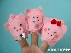 Educational felt finger puppets for nursery and counting rhymes This Little Piggy. This Little Piggy is an English language nursery rhyme and Felt Puppets, Felt Finger Puppets, Puppet Toys, Hand Puppets, Pig Crafts, Felt Crafts, Crafts For Kids, Puppet Patterns, Felt Patterns