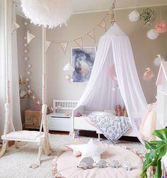 Если у маленьких фей есть свои домики, то они выглядят именно так💕 __________________________________________________ Фото @interiorbysarahstrath #интерьер_royaldream  #royaldream #вседлясна #детскаяпостель #детскийсон #постелька #babybedding #nurserydecor #nursey #babyshop #babyshower #kidsdecor #babyboy #babygirl #kidsinterior #newborn #kidsmood #kidsroom #kidstagram #kids #instagram_kids #instakids #instamama #interiordecor #interiordecorating #interiordecoration #kidsroom #kidsbedroom…