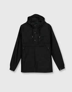 Pull&Bear - homem - vestuário - blusões e blazers - blusão bolso canguru capuz - preto - 09710513-I2016