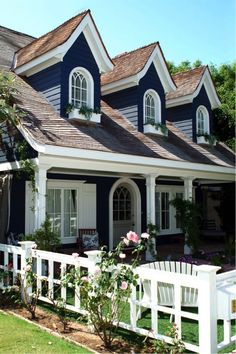 Navy and white are a classic combination whether at the beach or in the city | Thinking Outside the Paint Can: Using Bold Color On Your Home's Exterior