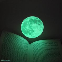 S-size Moonlight night-light deco-sticker, CLAIR DE LUNE (glow-in-the-dark moon sticker - 9cm)