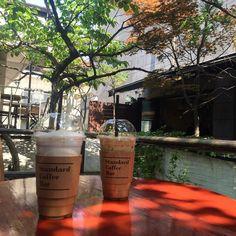 요즘 날씨 너무 좋다. 짱 좋아!  유안언니랑 #coffeetime . . . #강남 #카페 #스탠다드커피바 by dddoyo._.nii