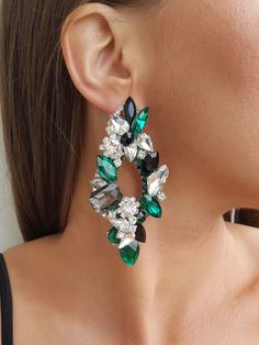 Romantic Dinners, Wedding Earrings, Crystal Earrings, Jewerly, Crystals, Chic, Beauty, Stud Earrings, Necklaces