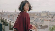 Korean actress Park Shin-hye styled her earthy-toned outfit with Valentino's small V-ring shoulder bag. shin hye Park Shin-hye's Fashion at Paris Fashion Week 190302 Black Actresses, Young Actresses, Female Actresses, Korean Actresses, Korean Actors, Actors & Actresses, Park Shin Hye, Actress Amy Adams, Sephora