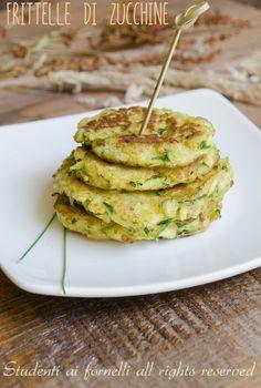 frittelle-di-zucchine-senza-farina-in-padella-ricetta-facile.jpg (900×1335)