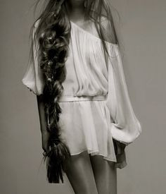 ohhmyyy garshhhh. this will be me. i swear. ive gone almost 5years with out cutting it, i can go another 10 ;)