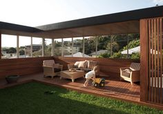James Russell Architect is an award winning, design based architectural practice located in Queensland, Australia. Mid Century Landscaping, Cardboard Model, Outdoor Furniture Sets, Outdoor Decor, Outdoor Living, Deck, Exterior, House Design, Patio