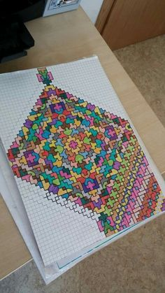 Muster auf Karo You are in the right place about Mandala Drawing ideas Here we offer you the most be Graph Paper Drawings, Graph Paper Art, Zentangle Drawings, Mandala Drawing, Zentangle Patterns, Pixel Art, Dibujos Zentangle Art, Pixel Drawing, Arte Sketchbook