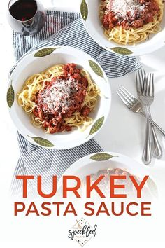 Spicy Sausage Ground Turkey Pasta Sauce is a fast easy family meal! Toss this meaty homemade tomato sauce with your favorite noodles for a comforting dinner. Sweet Italian Sausage, Spicy Sausage, Entree Recipes, Brunch Recipes, Pasta Dishes, Food Dishes, Lemon Shrimp Pasta, Ground Turkey Pasta, Steak Pasta