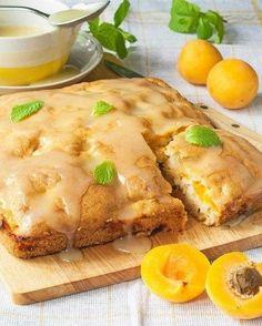 Абрикосовый пирог со сливочной помадкой
