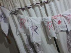 Banderines con tela reciclada. Una sabana vieja. En proceso !