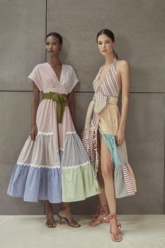 Inspired by the Coast of the Carribean, Silvia Tcherassi Spring Summer 2020 collection has an island-inspired feel about it. 2020 Fashion Trends, Fashion 2020, Look Fashion, Fashion News, Spring Fashion, Fashion Show, Fashion Outfits, Fashion Design, Ankara Fashion