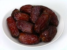 Health benefits of eating dates (kurma) >>> http://www.t4tips.com/top-10-health-benefits-of-eating-dates-khajoor/