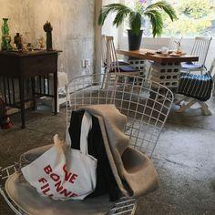 부산 광안리 카페 '프루티' Fruity : 네이버 블로그 Cafe Interior, Interior And Exterior, Cafe Design, House Design, Closet Colors, Black Rooms, Interior Decorating, Interior Design, Dream Rooms