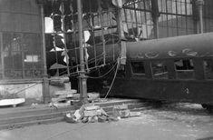 1962. A Nyugati pályaudvar falát áttörő vonatbaleset.