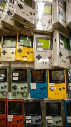 I want to know where this store is..... Game Boy, Vintage Video Games, Retro Video Games, Nintendo Handheld, Videogames, Penny Arcade, Old Games, Super Nintendo, Nintendo 64